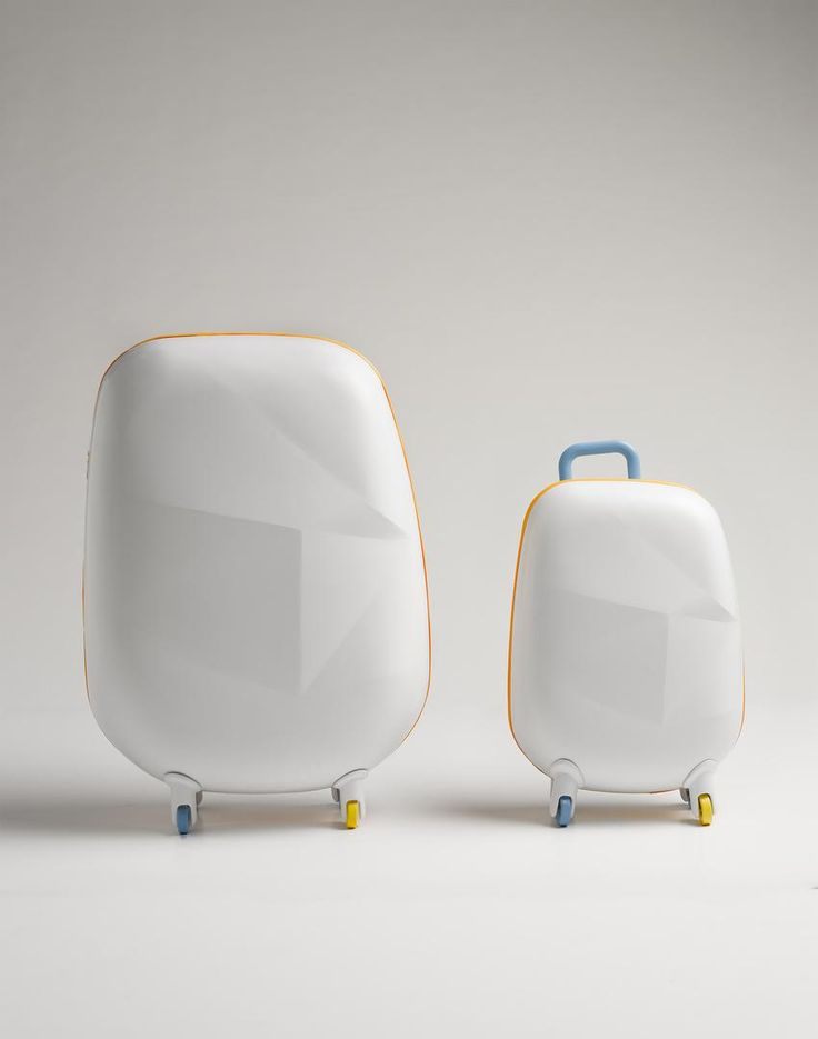 Elicit concept suitcase stores your luggage and charges your gadgets. Something that every traveller needs on their journey. Head to theculturetrip.com for more info on fantastic aesthetic collectables.