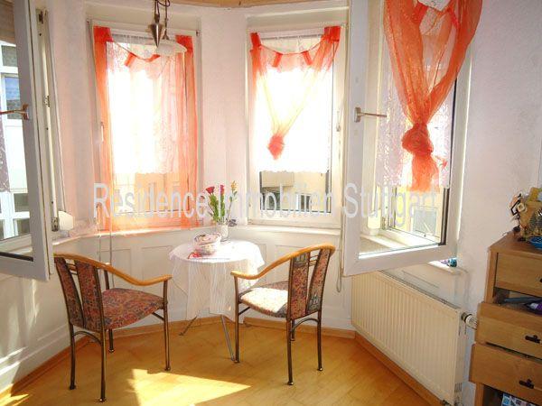 Wohnung kaufen in Stuttgart West - Residence Immobilien - Die 3 Zimmer Wohnung verfügt über gut nutzbare Räume, eine geräumige Küche und ein Tageslichtbad.