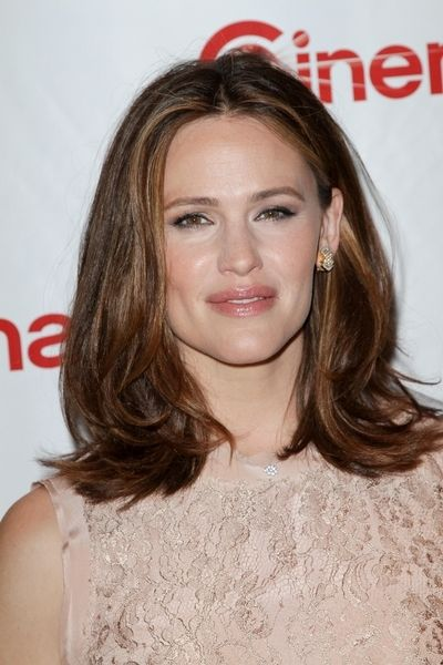 medium length hair - Jennifer Garner