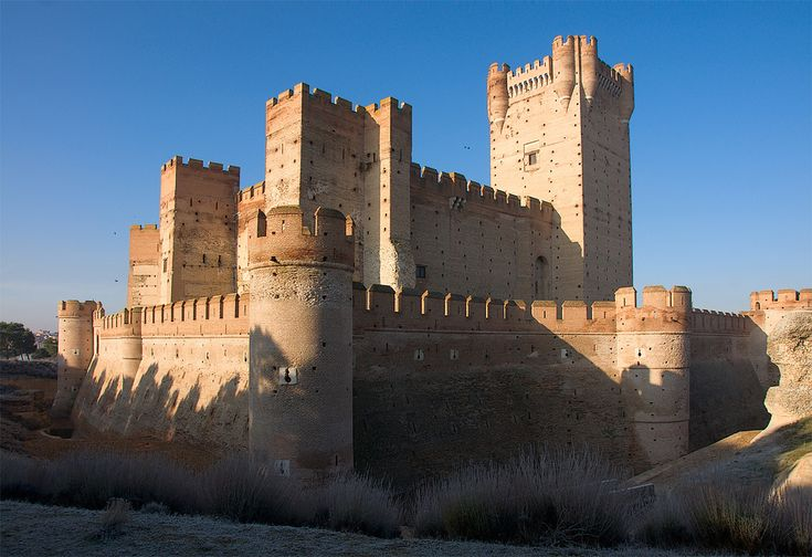 CASTLES OF SPAIN - Castle of La Mota, Valladolid. The Castle of the La Mota is a medieval fortress, located in the town of Medina del Campo, Valladolid. Initial fortification of the village, repopulated after Moorish depredations, led to the creation of a fortress on the site, starting in 1080. In 1354, Henry of Trastamara is known to have taken the fortress by force. In 1390 King John I of Castile granted the town to his son, the infante Ferdinand of Antequera, future king of Aragon.