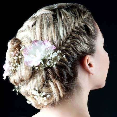 hair styles for thin hair and 17 best ideas about junior bridesmaid hairstyles on 8319