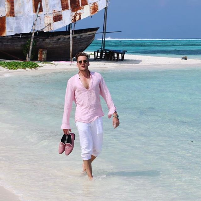 PIETER PETROS || MAAFUSHI I || HAPPY EASTER, my friends! ❤️ I proudly introduce to you the #PPsummercollection1 #Maafushi1 #PPshoes #Spetses1 #PPsunglasses #maldives