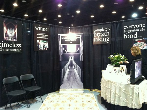 Good bridal show booth design using testimonals as signage