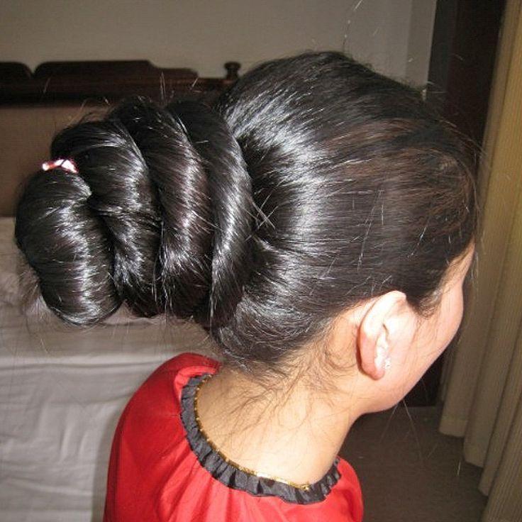 An Ji From Tibet before she had cut her knee length hair
