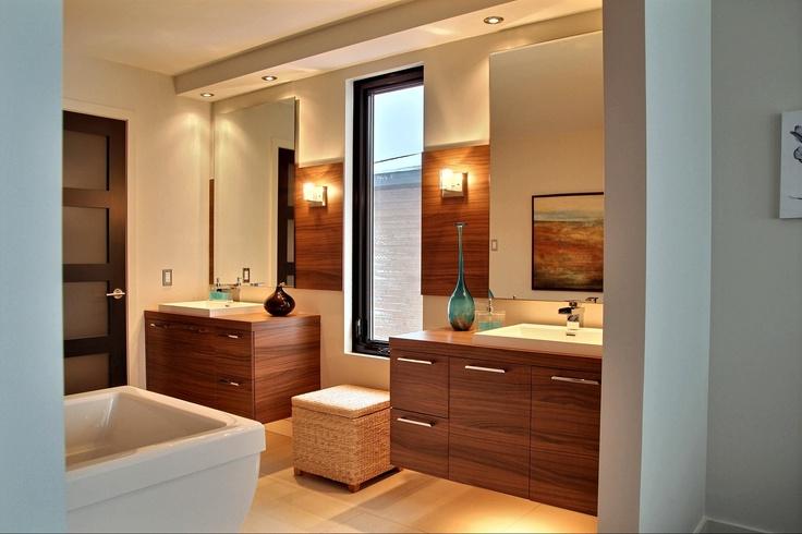Salle de bain réalisée par Richard & Levesque design Martine Gingras (robnat)