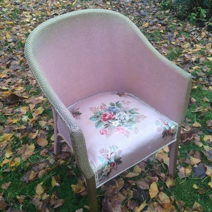 Vintage 1930 s Lloyd Loom Chair in pink / gold