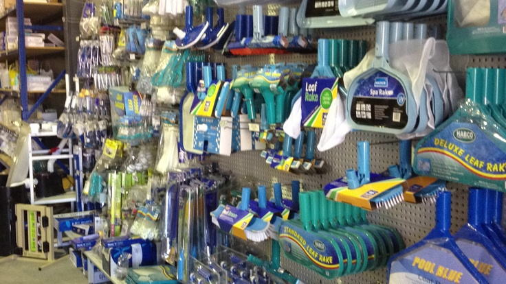 At Direct Pool Supplies we keep a huge range of handover equipment including scoops, brushes, rakes, vacuum heads, pruning saws plus much more.