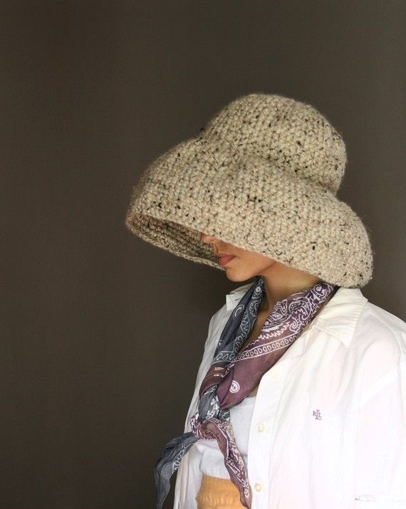 Floppy Weekend Hat in Black от Yokoo на Etsy