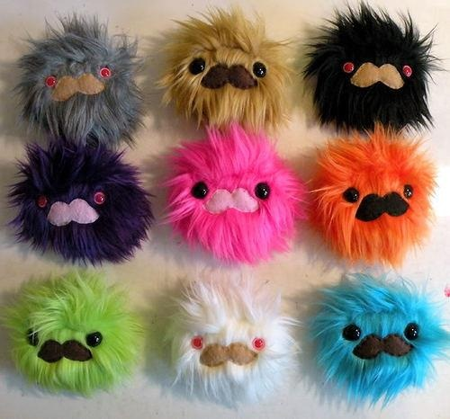 mostacho dolls