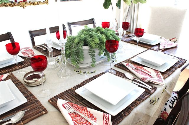 17 best images about centerpieces for the table on for Casual dinner table setting ideas
