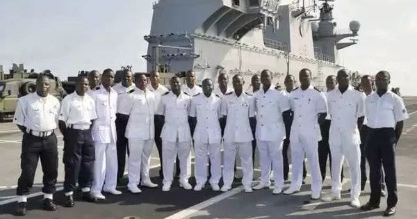 Nigerian Navy arrests 8 suspected Cultists in Anambra   By Okechukwu Onuegbu    The Nigerian Navy has said that it has arrested 8 suspected cultists in Ogbaru Local Government Area of Anambra state from Thursday to Friday last week.    According to the Commanding Officer of Onitsha NavalOutpost Capt.Yakubu Dahiruwho spoke throughhis Information Officer Sub Lieutenant Sulaiman Bala  2 stolen motorcycles and substances suspected to be cannabis machetes charms and mobile phones were recovered…