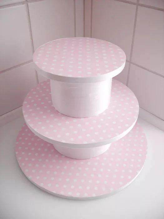 torre de cupcake DIY                                                                                                                                                                                 Mais