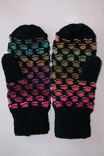 Ravelry: Newfoundland Mitts pattern by Gillian S. Hess   Worsted / 10 ply (9…