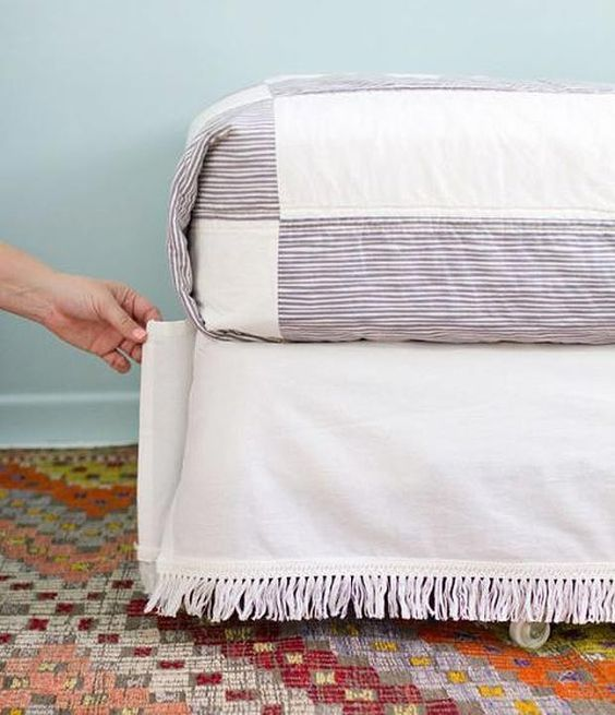 Velcro saia da cama …