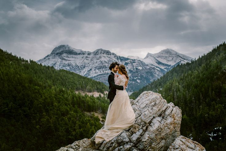 20 Wedding Portraits Set In The Most Epic Locations Ever. #17 Is Mesmerising.