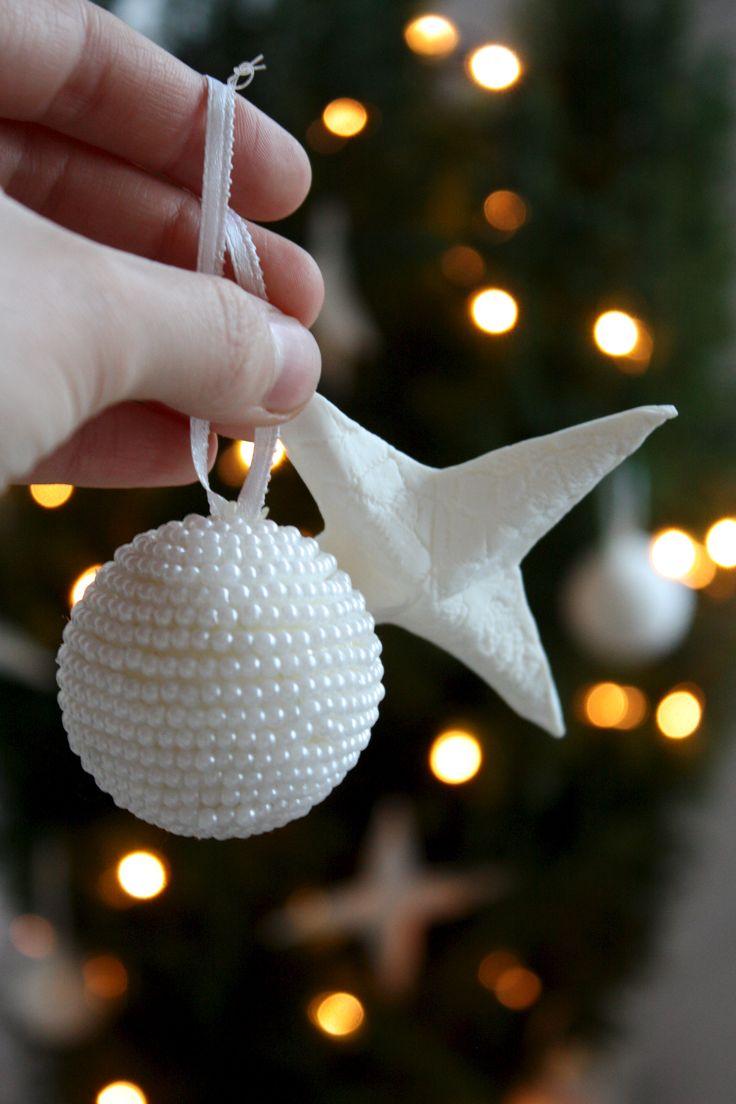 Homevialaura | little christmas tree | christmas cypress | white christmas ornaments