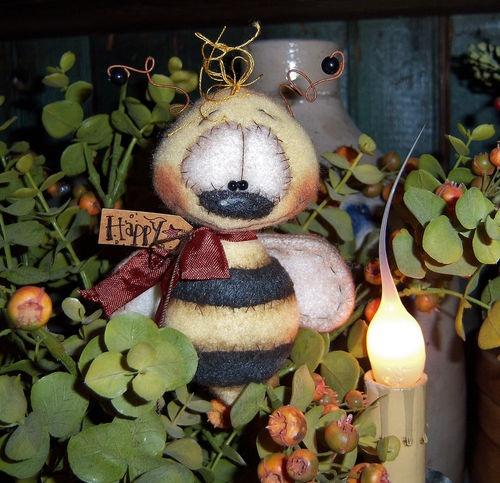 "Primitive Raggedy Bumble Bee Bear Bug 4"" Flower Doll ★ Vtg Patti's Ratties Ornie"