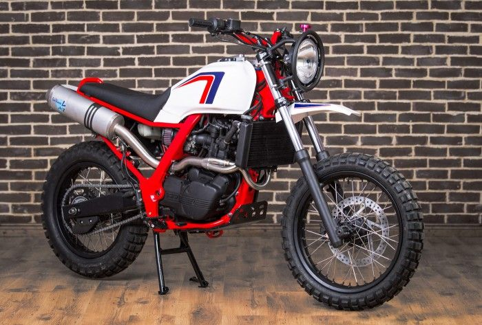 Red Hot Chili Customs BMW F650.  Awesome!