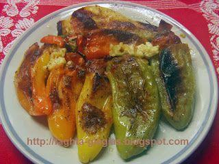 Τα φαγητά της γιαγιάς - Πιπεριές γεμιστές, τρία τυριά και ζαμπόν