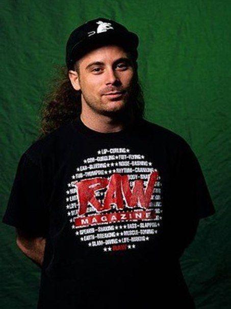 Happy Birthday  Oggi il cantante John Bush (( Anthrax, Armored Saint )), compie 52 anni. Tantissimi Auguri ...\m/ \m/