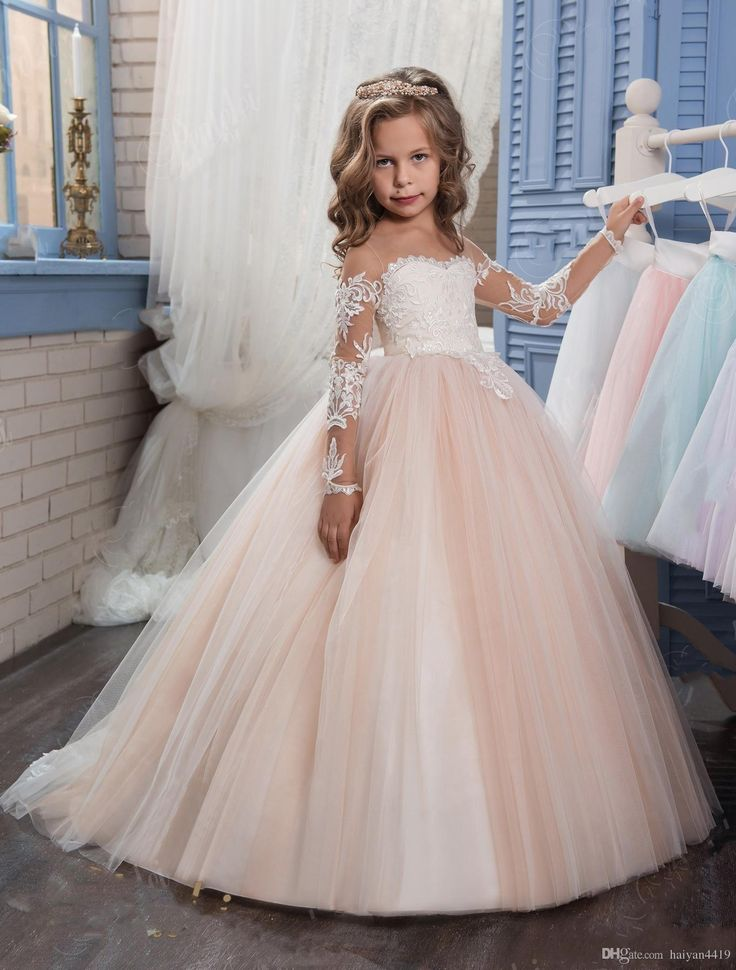 2017 New Flower Girls Dresses For Weddings Jewel Neck Long Sleeves Lace Appliques Sweep Train Ball Gown Birthday Children Girl Pageant Gown