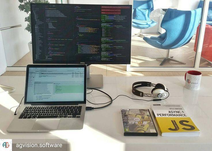 from @agvision.software -  Standard Issue Friday Kit #programmer #minimalsetups #workspace #coding #bucharest #app #fifa17 #javascript #agvision #software #worldcode - #regrann