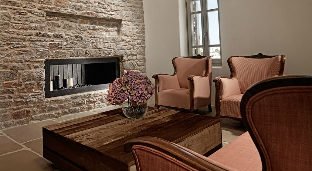 Themonies-7-Luxury-Suites-Folegandros