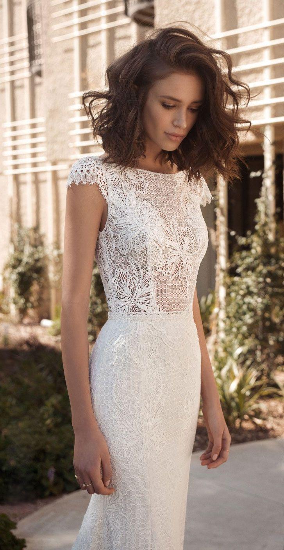 Romantische Hochzeitskleid-Idee – tiefes Hochzeitskleid mit V-Rücken, Spitzendetails und