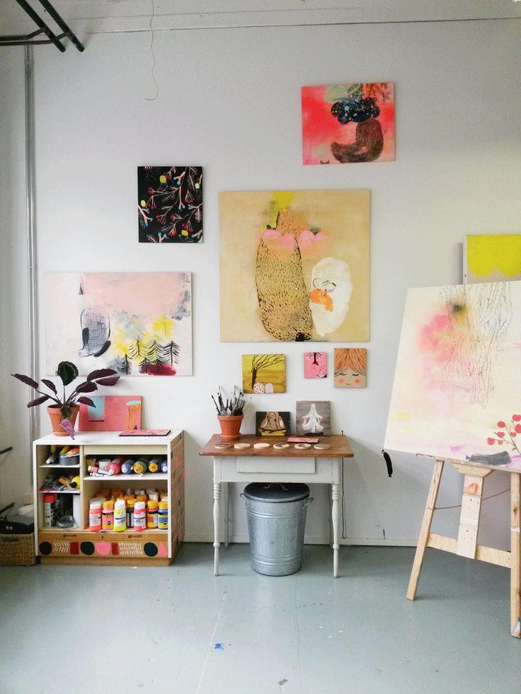 Paint storage + antique desk + easel ❤️