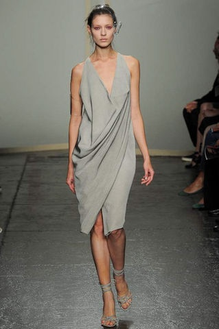 This looks like Ariel's blanket dress from the little mermaid. Not in a bad way.  Donna Karan Spring 2013 RTW