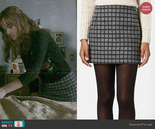 Emma's grey checked skirt on Bates Motel.  Outfit Details: http://wornontv.net/47898/ #BatesMotel