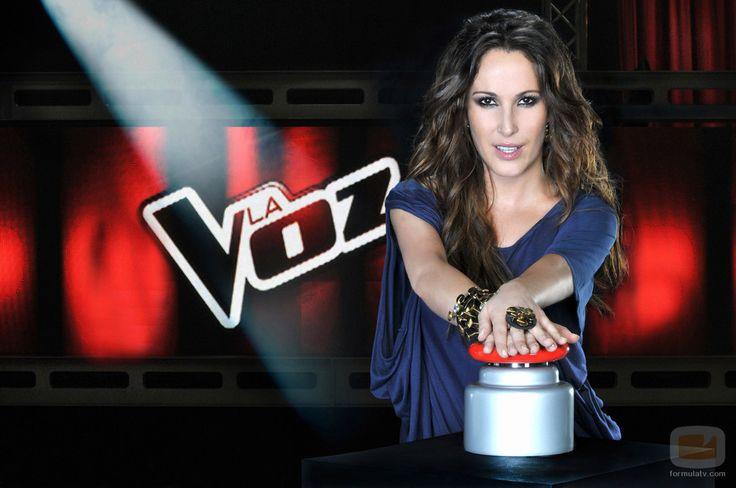 Malú en la segunda edición de 'La Voz' con brazalete y anillo de Daniel Espinosa
