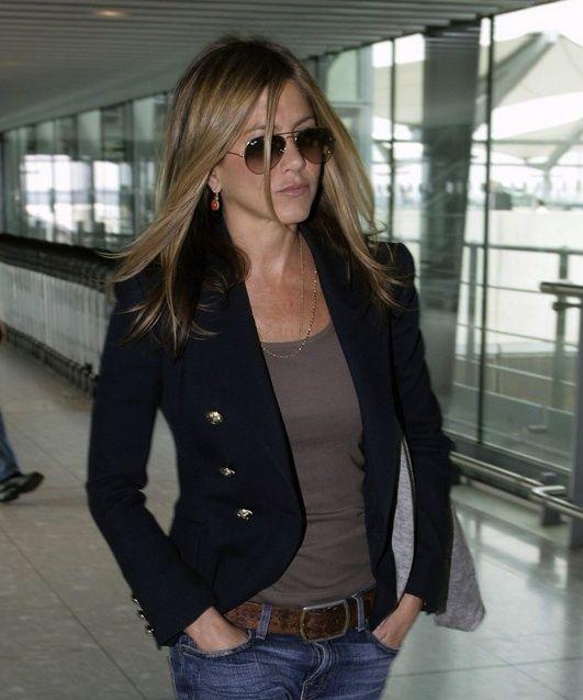 Navy blazer: Casual Style, Jennifer Aniston, Casual Chic, Navy Blazers, Blazers Jeans, Casual Looks, Hair Color, Travel Outfits, Black Blazers