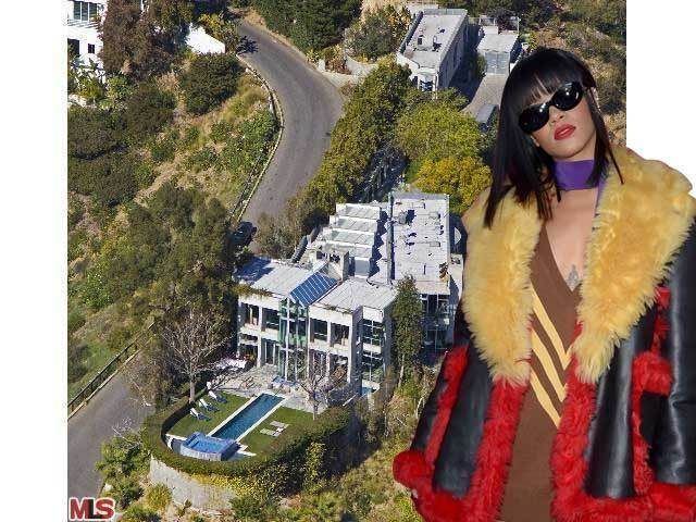 Rihanna Renting Penis Pool Party House Above the Sunset Strip