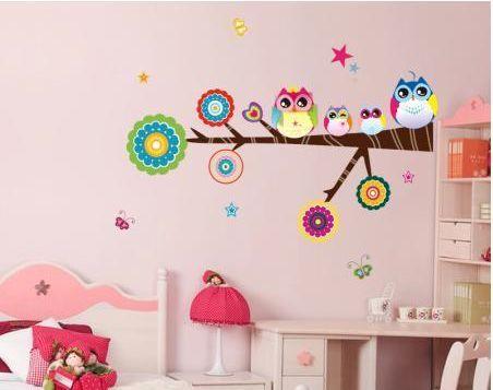 Vinilo para habitación de niño, llenito de colores. www.twcshop.com
