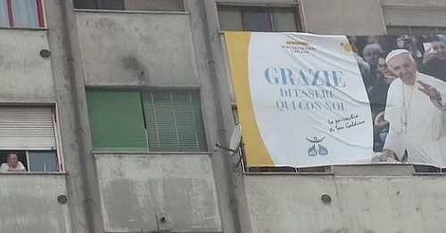 Cronaca: Il #Papa alle #Case bianche di Milano. Nel ghetto che attende Bergoglio: Ma la speranza... (link: http://ift.tt/2nvfSOC )
