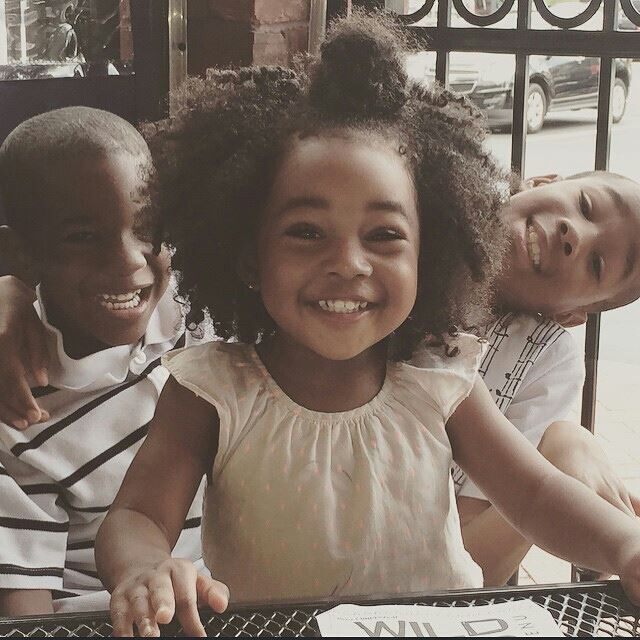 http://www.shorthaircutsforblackwomen.com/mom-daughter-do-the-afro-dance-too-cute/ Brothers and sister cute teamblackhurromg