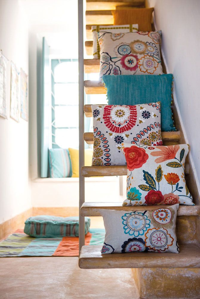 Almofadas com estampa floral: ideias para combinar