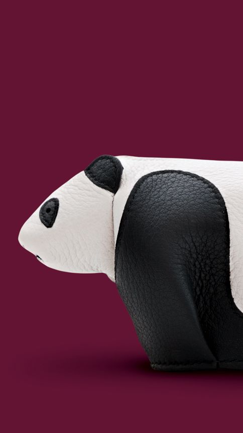 #LOEWE gift collection 2014. #White/#Black leather panda purse.  Shop online loewe.com #loewejwa #LOEWEgifts