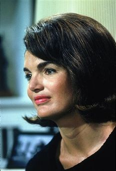 Portrait of American former First Lady Jacqueline Kennedy (1929 - 1994) as she poses for a Life magazine cover photo session, Georgetown, Washington DC, May 1964. The cover, which appeared on May 29, accompanied the opening of an exhibition of momentos beloning to her husband, assassinated President John F. Kennedy.