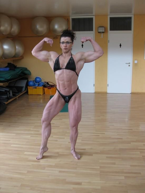 Michaela Schaar en préparation | FREYA | Fitness | Fitness ...