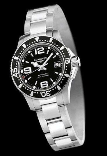 """Longines HydroConquest L3.284.4.56.6 - Longines, die schönsten Damenuhren des Uhrmachers aus Saint-Imier - Elegante Sportlerinnen werden die HydroConquest L3.284.4.56.6 von Longines lieben. Lassen Sie sich von der Anordnung der Ziffern auf dem schwarzen """"Sonnenstrahl""""-Dekor-Zifferblatt..."""