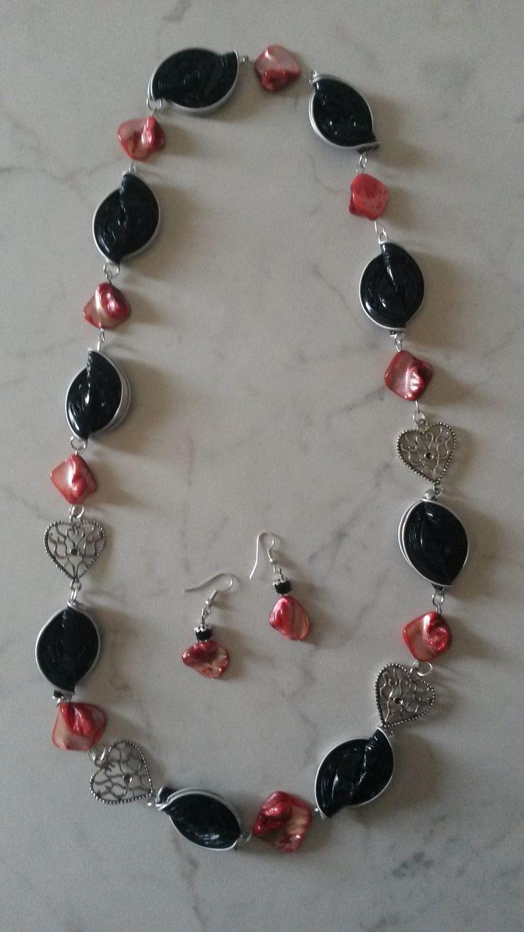 Collana rosso- nera