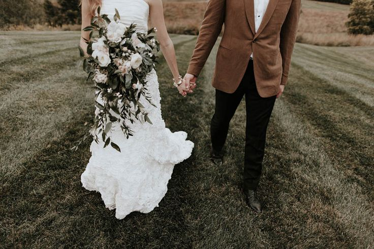 Fall wedding fashion inspiration | Image by Bradford Martens
