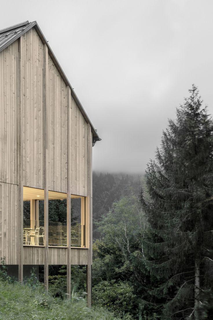 Bernardo Bader - House in Stürcher forest, Laterns 2016. Photos © Bernardo Bader.