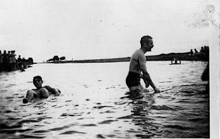 APORTES Y VISIONES DE NUESTRA HISTORIA: Fotos de la inundación del 56 en Garré y Casbas 20...