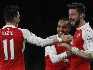 Report: West Ham United set aside £50m for Olivier Giroud, Theo Walcott signing