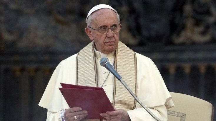 Papa Francisco condena locura homicida del terrorismo: Nunca matar en nombre de Dios