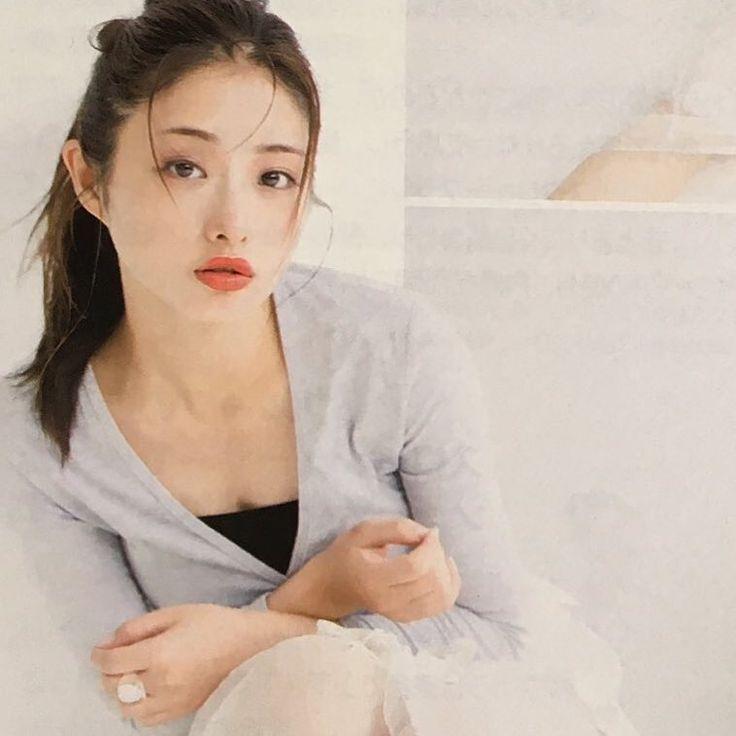 いいね!61件、コメント2件 ― 石原さとみ 新垣結衣 ガッキーさん(@_satomilove)のInstagramアカウント: 「#石原さとみ #ishiharasatomi #雑誌 #ar#メイク#ファッション」
