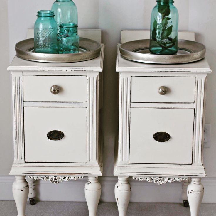 Night stand makeover in Annie Sloan Old White